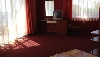 Pokój Standard 4 osobowy z balkonem