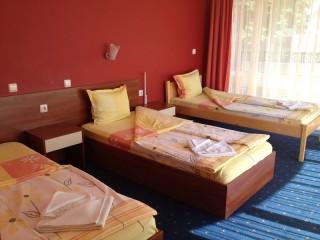 Pokój Standard 3 osobowy z balkonem