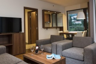 Apartament z 2 sypialniami i tarasem  Apartmani Srebreno