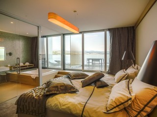 Apartament DeLuxe Suite z tarasem i widokiem na morze