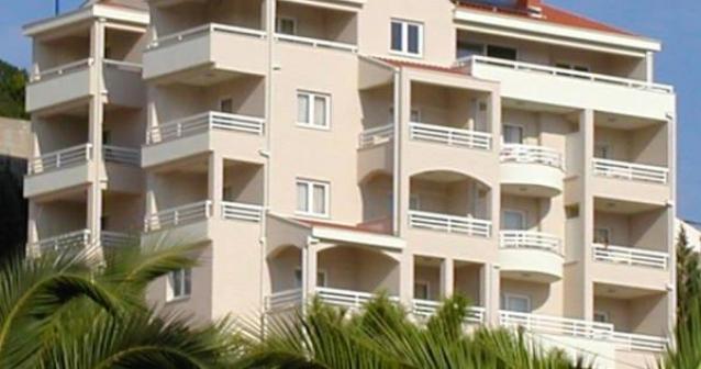 Hotel & Apartments  Agava