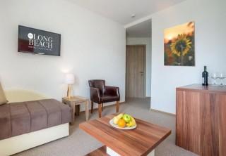Apartament z osobną sypialnią i tarasem/balkonem