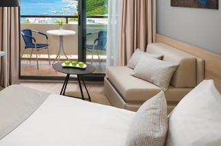 Pokój Rodzinny Superior z balkonem i widokiem na morze