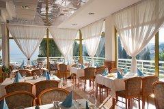Piano bar w hotelu Astarea